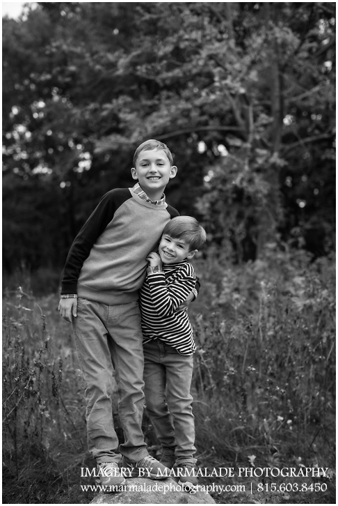 A photo of a pair of brothers for family photos in Chicagoland